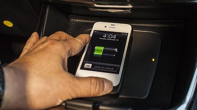 Crean un sistema para cargar los «smartphones» sin cables
