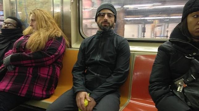 Las gafas de Google viajan en metro