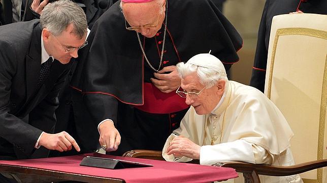 Benedicto XVI también dirá adiós a Twitter
