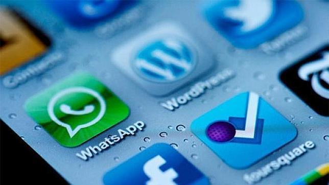 WhatsApp y Facebook, las «apps» más descargadas en español desde Softonic