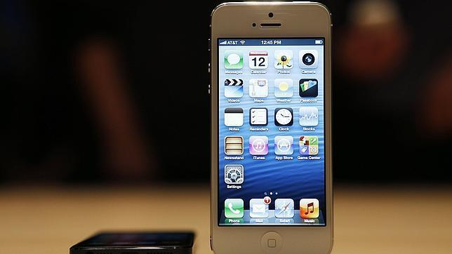 Por qué tu iPhone manda SMS a Reino Unido sin que lo sepas