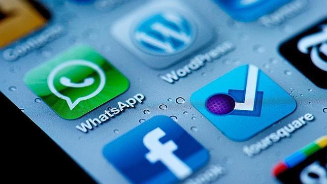 Facua denuncia a cuatro empresas por el fraude que utiliza el nombre de WhatsApp