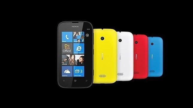 Nokia presenta su «smartphone» más barato, el Lumia 510