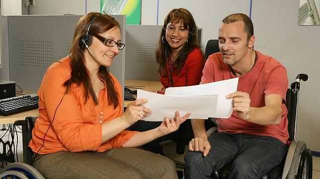 Cinco personas con discapacidad encuentran empleo gracias a un proyecto de formación en nuevas tecnologías