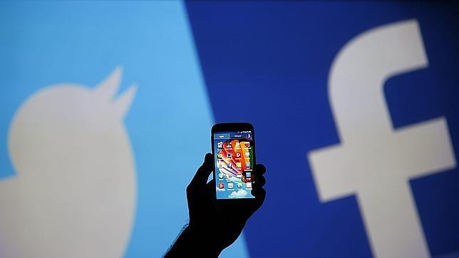 China levantará el bloqueo de Facebook y Twitter pero sólo en Shangai