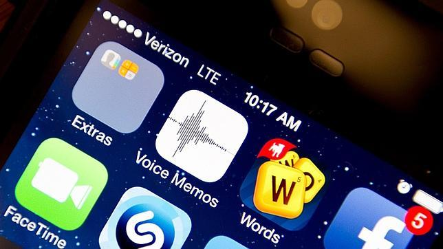 La nueva actualización de iOS 8 no solventa los problemas y deshabilita el servicio de voz