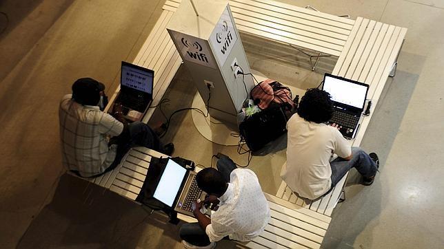 Google y Microsoft se unen contra el bloqueo de WiFi personal en los hoteles