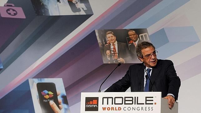 MWC: César Alierta dice que hay que romper los «nuevos monopolios» como Google y Apple