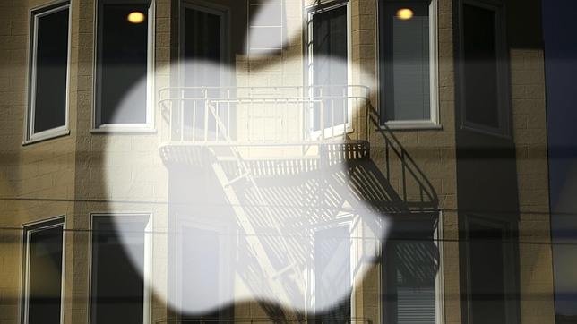 Google y Apple evitan la guerra salarial acordando pagar 324 millones