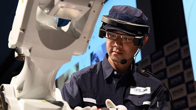 Epson mete la realidad aumentada en la industria con sus gafas inteligentes Moverio