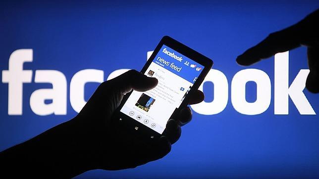 Facebook, uno de los vencedores en la lucha por los ingresos en el móvil