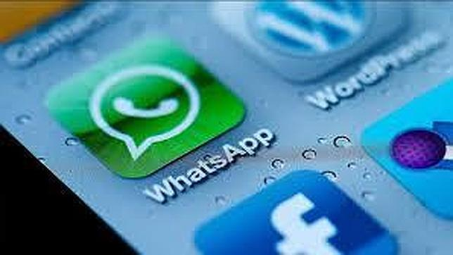 Las aplicaciones de chat como WhatsApp abren la puerta a la empresa