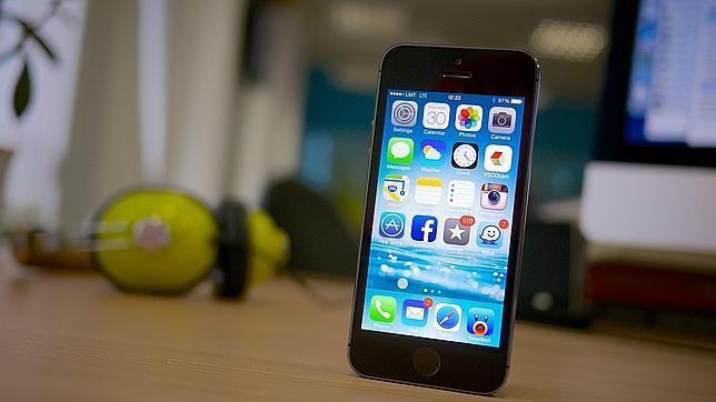 Apple ingresará 80 millones de dólares este año con el iPhone 6