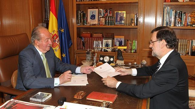 El anuncio de la abdicación del Rey Don Juan Carlos batió récords de «retuits» con 28.735