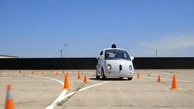 El coche autónomo de Google incluye volante y pedales