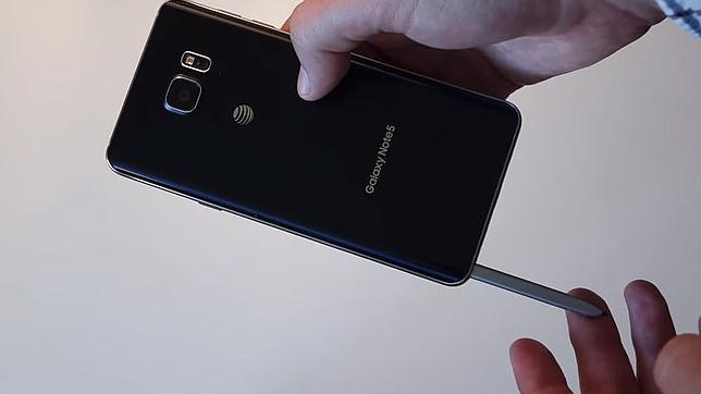 El gran fallo del Galaxy Note 5: el S Pen se puede meter del revés