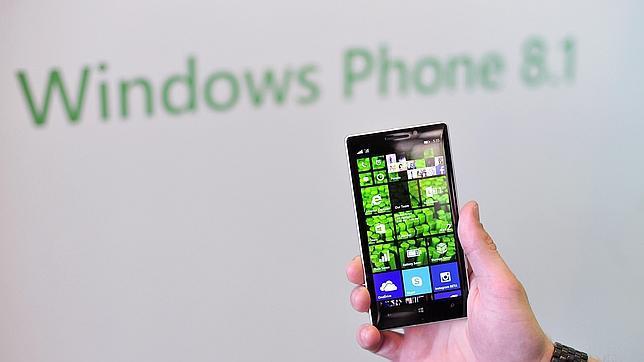«Superman», el nuevo móvil de Nokia para tomar «selfies»