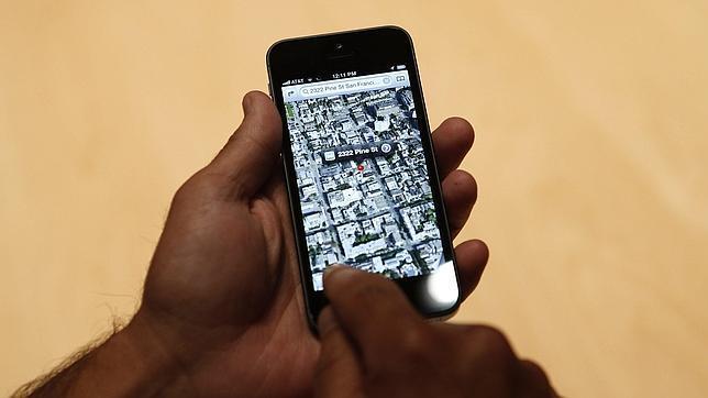 Tim Cook pide disculpas por los fallos de Mapas iOS6 y recomienda Google Maps