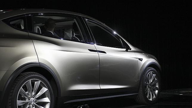 Tesla Motors recurre a la sabiduría de Apple