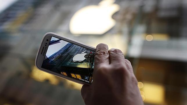Samsung, cerca de perder la supremacía del «smartphone» en favor de Apple