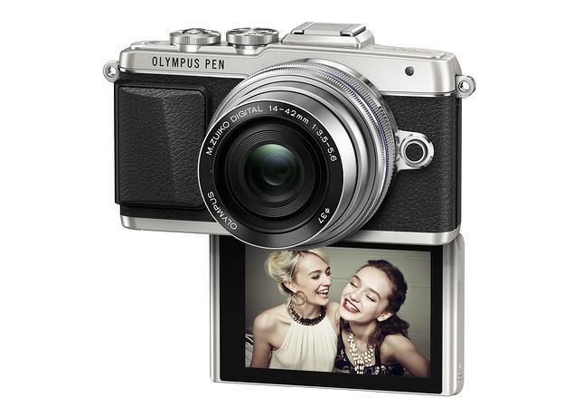 Olympus se apunta a la moda de las cámaras digitales para «selfies»