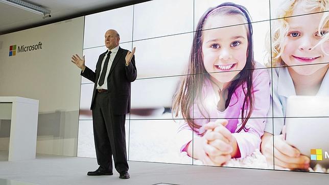 Steve Ballmer admite que entró tarde en el mercado de las tabletas