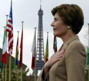 Laura Bush, ayer en París REUTERS