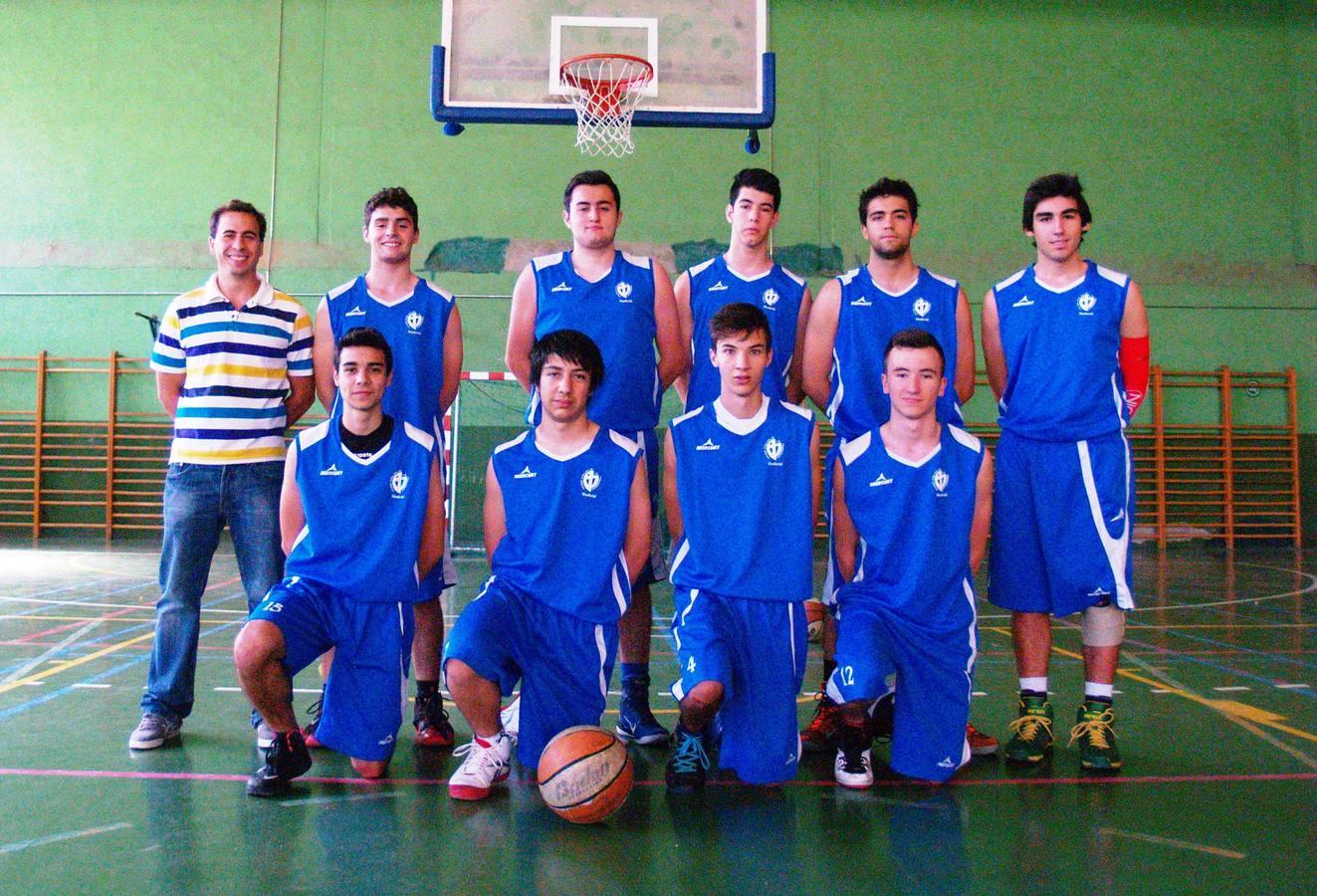 Nuestra Señora de la Providencia. Arriba: José L. (E ), Mario (14), Jaime (10), Manuel (9), Roberto (13), Javier (11). Abajo: Álvaro (15), Alberto (7), Alfredo (4), Víctor (12)